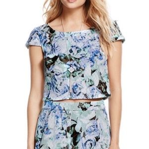 NWOT Jessica Simpson capped sleeve floral …